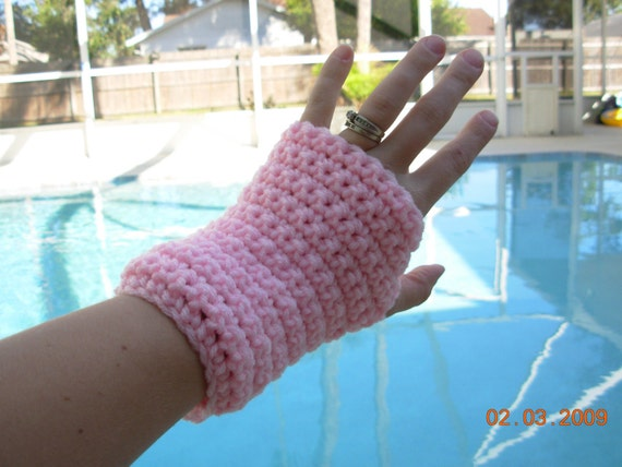 PIF Fingerless Gloves in Petal Pink