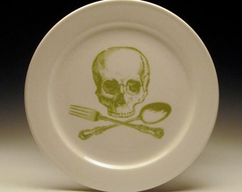 skull and cross-utensils 9 inch dinner plate in OLIVE GREEN