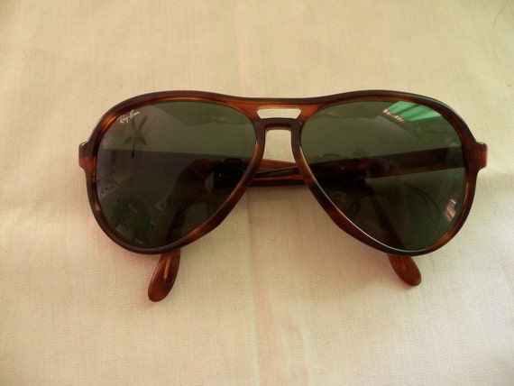 ray ban vagabond  Items similar to VINTAGE 70S RAYBAN VAGABOND sunglasses on Etsy