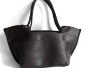 The Tilde Bag - Classic Style Seatbelt Purse