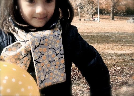 Girl Cashmere Scarf Japanese Flowers