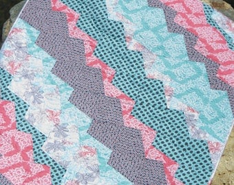 SALE - Ditto quilt pattern from Jaybird Quilts - baby, lap, twin