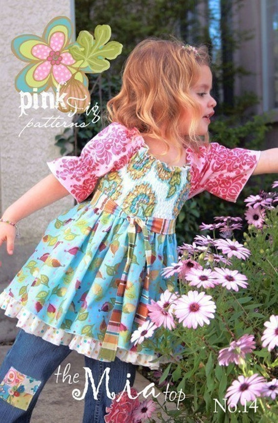 SALE - The Mia Top sewing pattern from Pink Fig Patterns