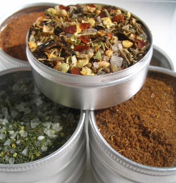 gourmet spice rub and barbeque kit. add amazing flavor to your grilled meals.