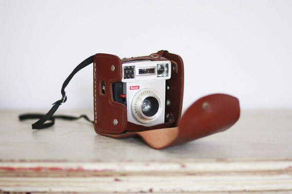 RESERVED for hsunny1302 - Vintage Kodak Brownie Starmatic camera with original leather case