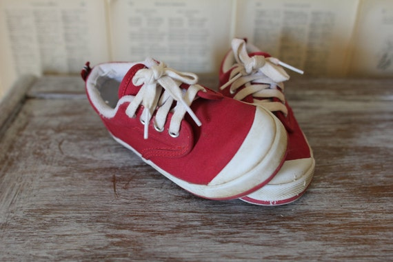 Vintage Red Baby Shoes Retro Kids Keds Boy Girl Shoes Sneakers Lace Up Trainers Toddler Clothing Size 5 1/2