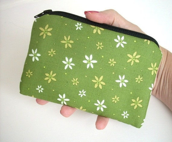 DEAL of the DAY over 1/2 OFF - ECO-FRIENDLY Little Zipper pouch Coin Purse Gadget Case-Green Daisy (Padded)