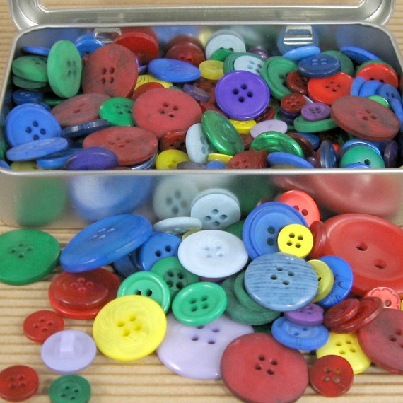 Button Extravanza - Half Pound Lot of Assorted Buttons in Metal Box - Primary Colors