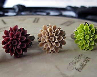 Bridesmaid Flower Rings,  Set Of SIX, Antique Brass Band, You Choose Your Color, Vintage Inspired Bridal Jewelry