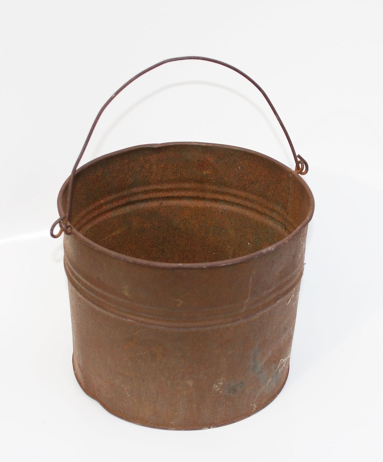 Antique tin beer bucket or lunch pail vintage kitchen for Old metal buckets