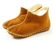 Ankle Moccasins with Sherpa Lining in Rust Suede / Women's sz 9.5