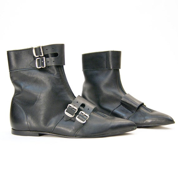 sz 6 Gothic Pixie Buckle Boots in Black Leather