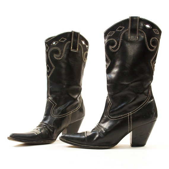 sz 8 vegan cowboy boots in black faux leather with white top