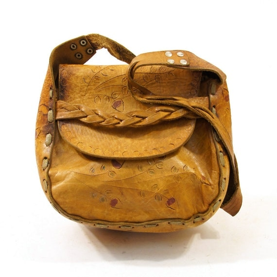 60s / 70s Tooled Leather Purse with Acorns