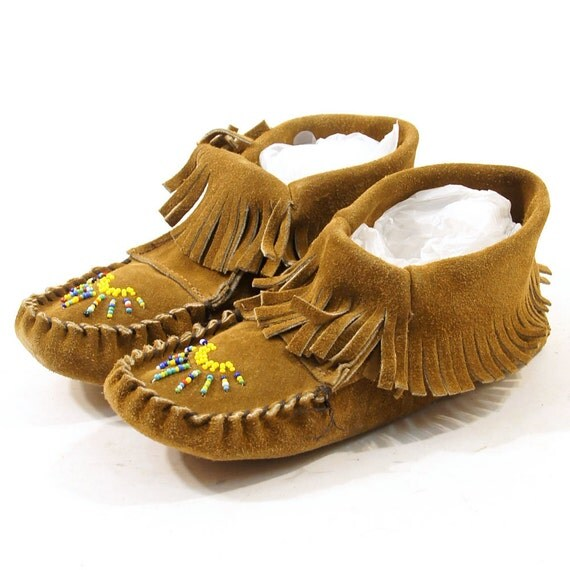 Beaded Taos Ankle Moccasins in Brown Suede / Women's sz 9.5