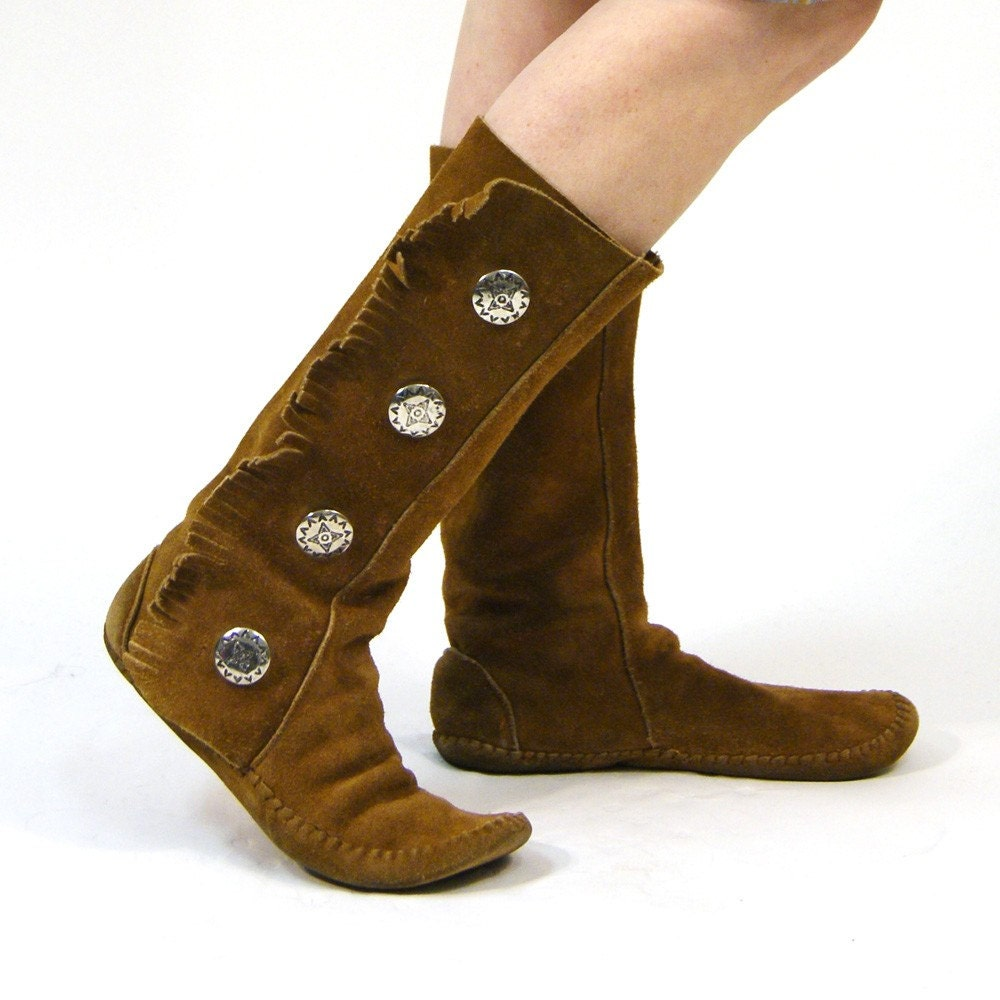 Reserved For Starzmm23 Sz 8 Fringed Moccasin Boots With Concho