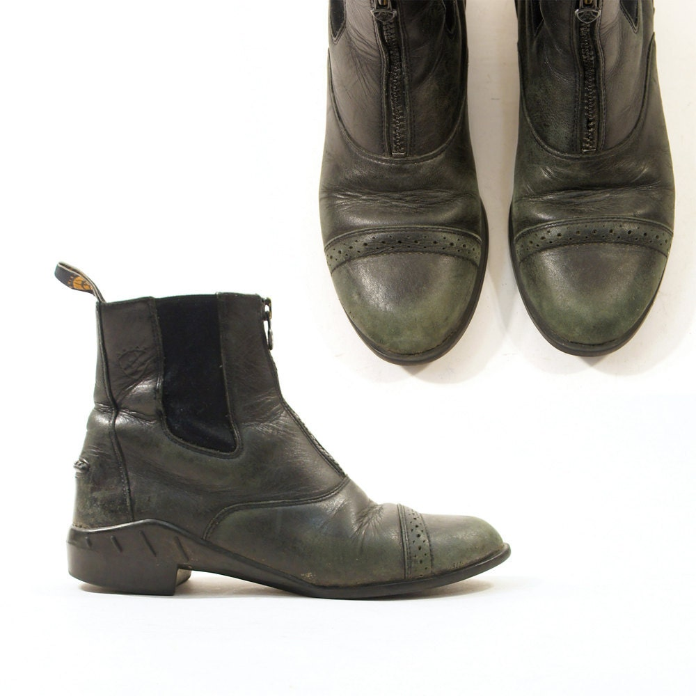 Vintage Ariat Zip Up Ankle Boots in Black Leather / Men's