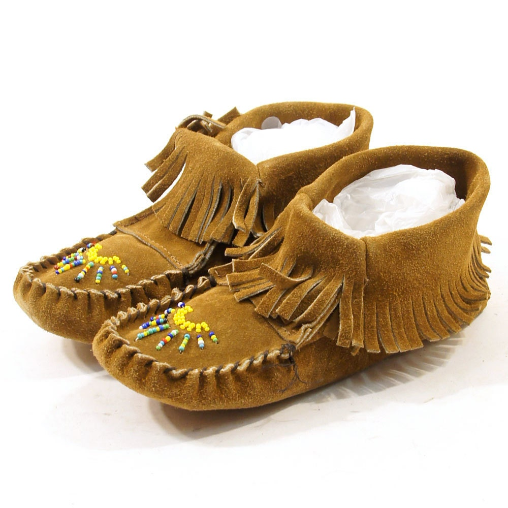 Beaded Taos Ankle Moccasins in Brown Suede / Women's sz
