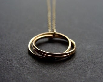 Gold Nesting Circles Necklace