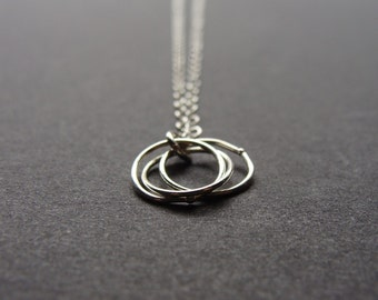 Silver Nesting Circles Necklace
