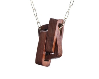 Chained Necklace with Wood and Gold
