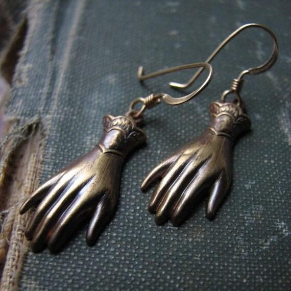 LADYFINGER Earrings