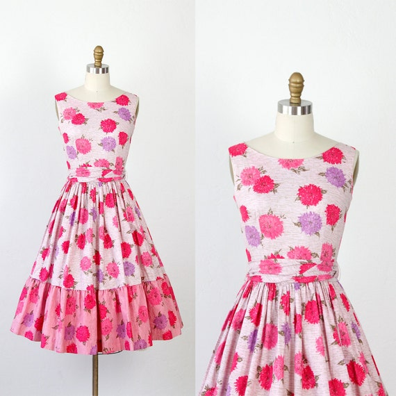 Floral Dress 1950s Pink and Purple Chrysanthemum Full Skirt