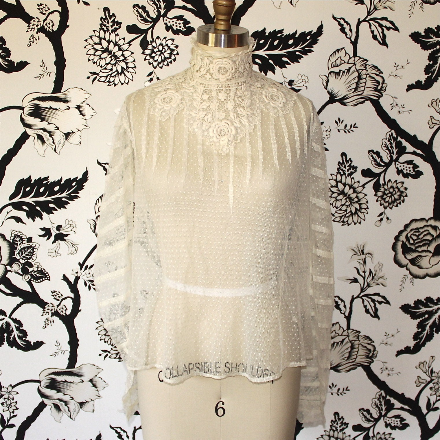 1900's antique EDWARDIAN white VINTAGE lace BLOUSE