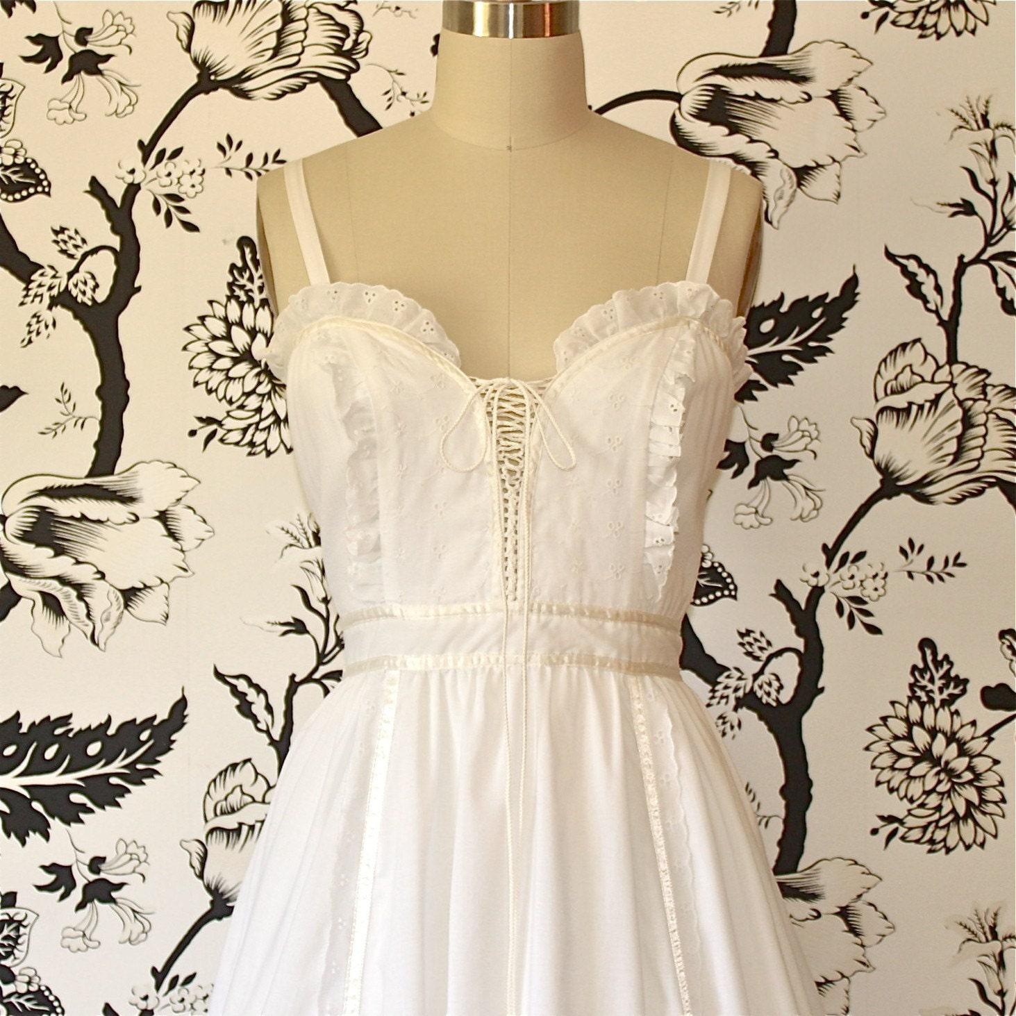 1970s vintage WHITE cotton EYELET wedding DRESS