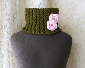 Midsomer Cowl in olive and palest pink - Hand Knit Luxury