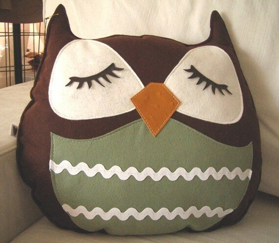 Brown Stewart the Owl Vintage Inspired Wool Felt Applique Decorative Doll Pillow