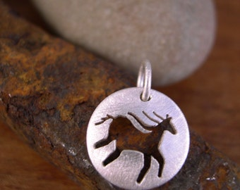 Small Round Horse Charm