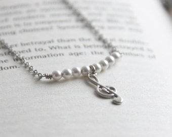 Music Note Necklace. Treble Clef Necklace with Swarovski Crystal Pearl. Gift for Piano Teacher, Musician, Bridesmaid Gift.