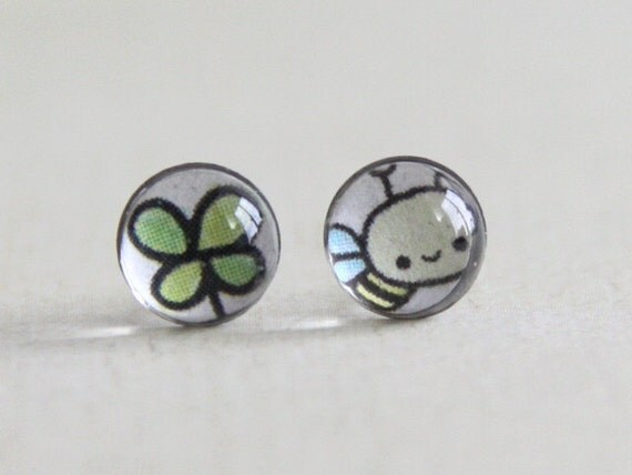 Good Luck Clover and Honey Bee petite image stud earrings. surgical steel earrings post. gift for girl