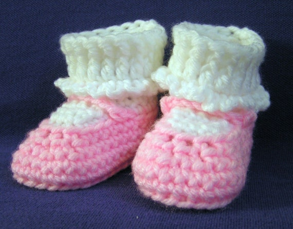 Crochet  MaryJane Baby Booties Light Pink Size  3 to 6 months