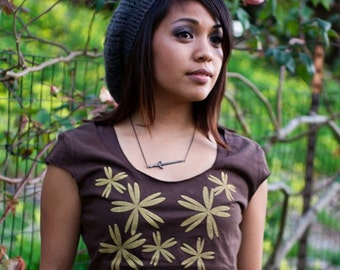 SALE - S, M - graphic tee for women, womans tops tshirts, silksreen womens t-shirt, womens tees, brown with scattered flowers