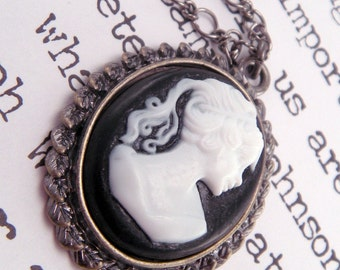 Black and White Cameo Necklace Pendant on Scalloped Lace Bezel on 18 Inch Chain