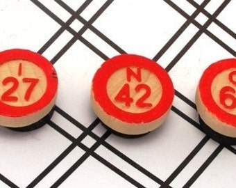 B I N G O Wood Bingo Chip Magnets