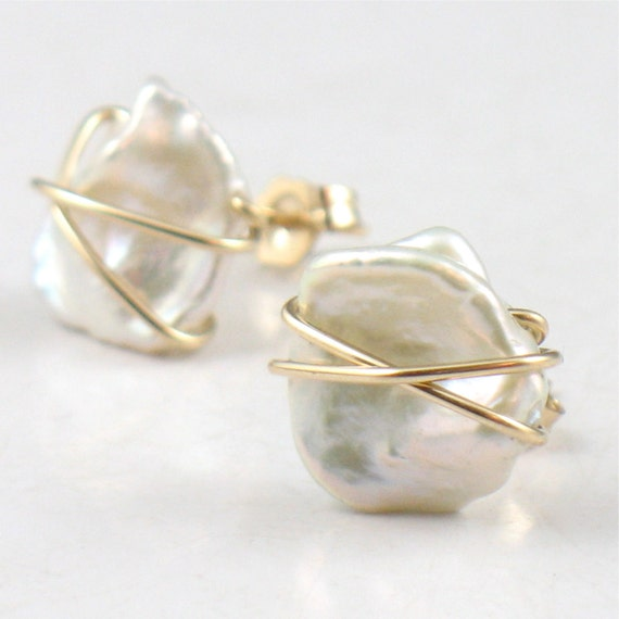 Keishi Pearl Post Earrings Gold