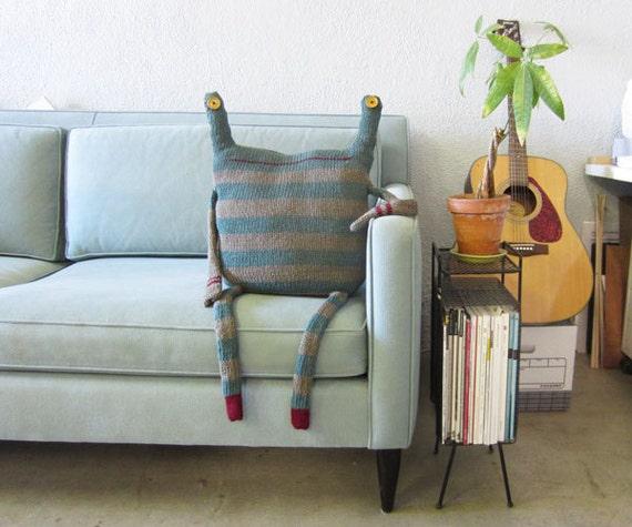 ORIGINAL - Beast Pillow - No.164, Rolf