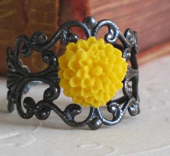 Adjustable Ring, Filigree with Flower, Black Yellow, Gifts for Her