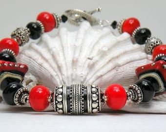 STUNNING STATEMENT Handmade Lampwork Bead Bracelet