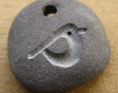 little robin carved pebble pendant