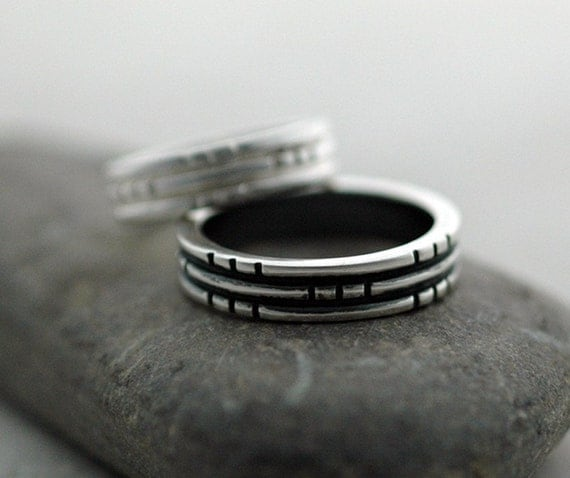 Notch - A  Ring for Men and Women in Sterling Silver