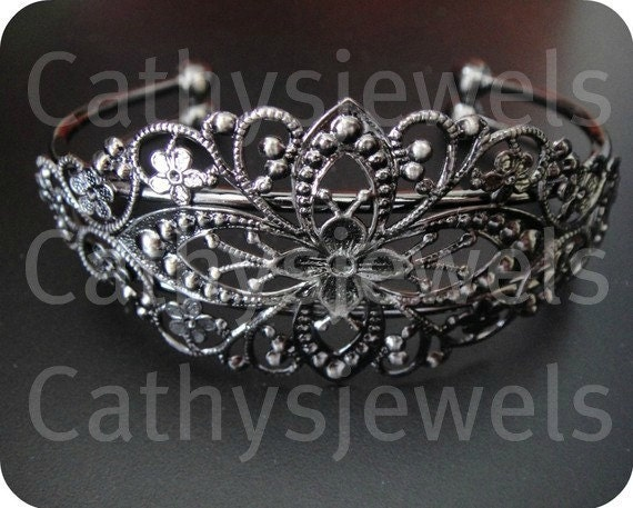 Antiqued Silver Finish Filigreed Bracelet Setting