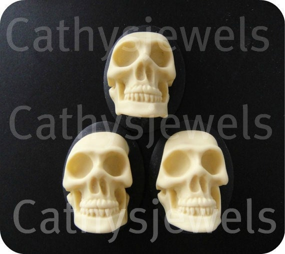 Wretched Skull Cameos  40x30 Set Of Three