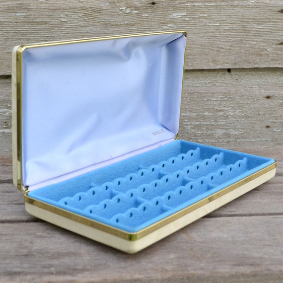 Vintage Jewelry Box Cream with Blue Lining by Mele