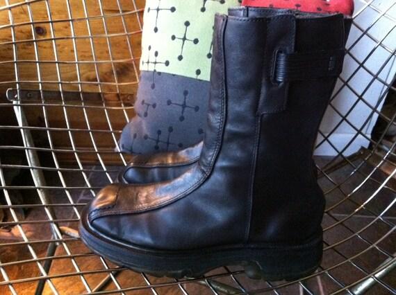 ONSALE Dr. Martens UK Women's 6 black leather boot