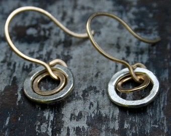 xs double open circle earrings.