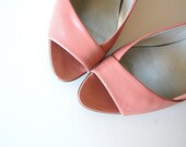 80s vintage Leather Peep Toe Pumps . Made in Italy . Bandolino . 8 N . 7 7.5